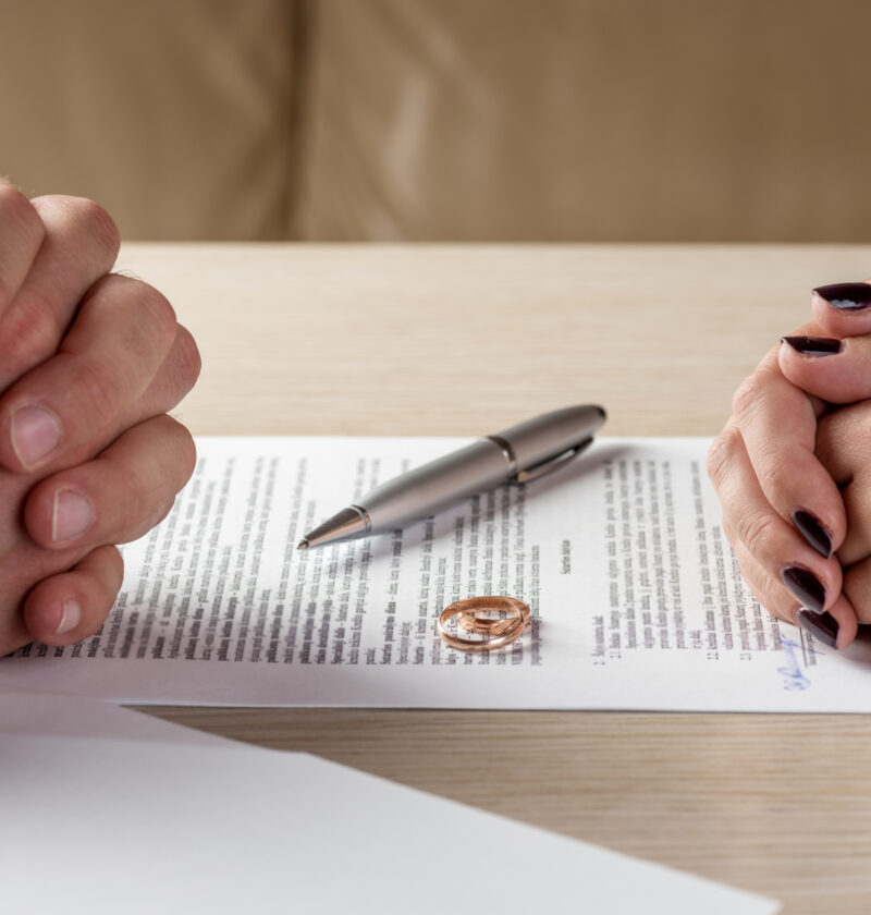 Finding the right divorce attorney for your case requires knowing your options. Here is everything you should look for in an attorney for divorces.